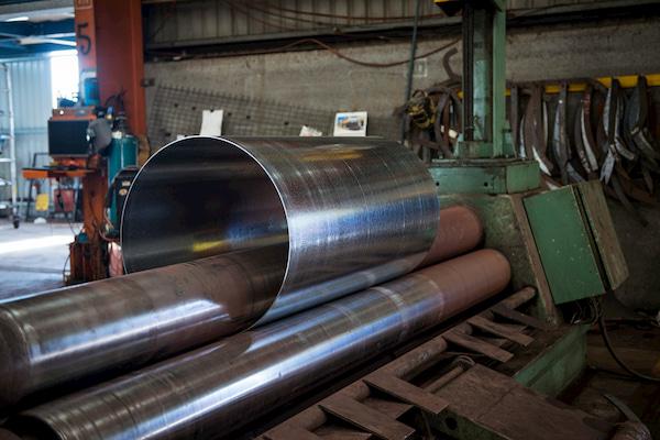 Cylinder steel placed in a presser