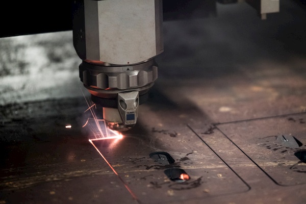 Steel cutter machine operated