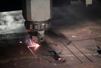 Functioning laser cutter machine